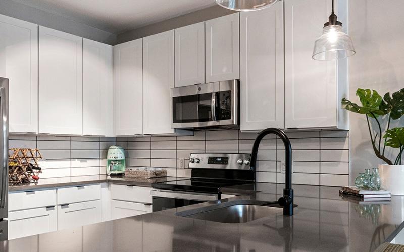 The Elliott Apartment Kitchen